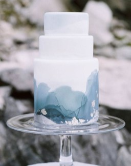 Classy Winter Wedding Ideas22