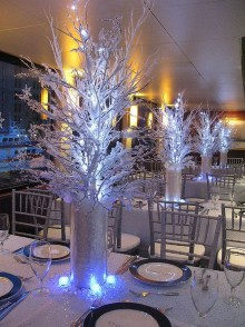 Classy Winter Wonderland Wedding Centerpieces Ideas04