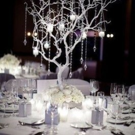 Classy Winter Wonderland Wedding Centerpieces Ideas14