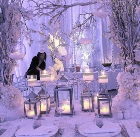 Classy Winter Wonderland Wedding Centerpieces Ideas23