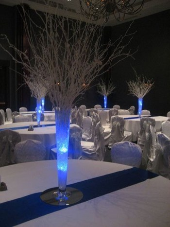 Classy Winter Wonderland Wedding Centerpieces Ideas26