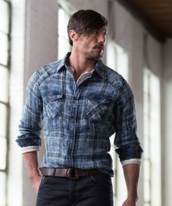 Cozy Plaid Shirt Outfit Christmas Ideas For Handsome Mens01