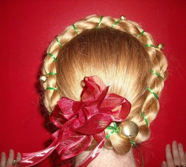 Cute Christmas Braided Hairstyles Ideas07
