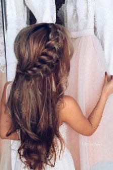 Cute Christmas Braided Hairstyles Ideas40