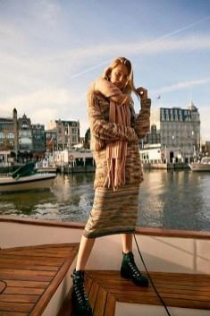 Elegant Midi Skirt Winter Ideas31