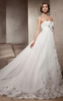 Fabulous Winter Wonderland Wedding Dresses Ideas03