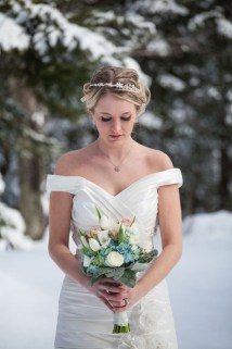 Fabulous Winter Wonderland Wedding Dresses Ideas10