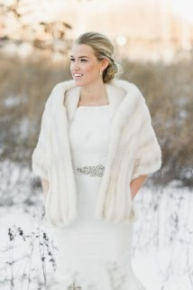Fabulous Winter Wonderland Wedding Dresses Ideas12