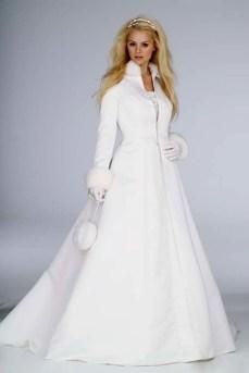 Fabulous Winter Wonderland Wedding Dresses Ideas14