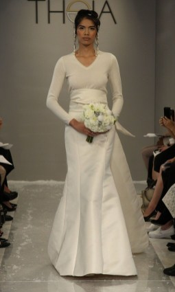 Fabulous Winter Wonderland Wedding Dresses Ideas27