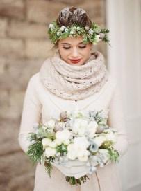 Fabulous Winter Wonderland Wedding Dresses Ideas29