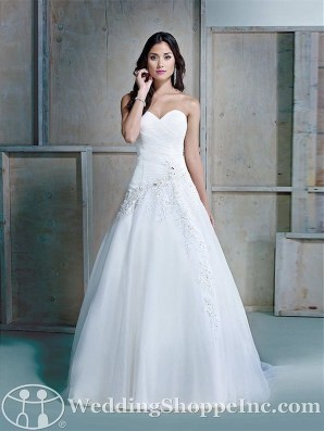 Fabulous Winter Wonderland Wedding Dresses Ideas33