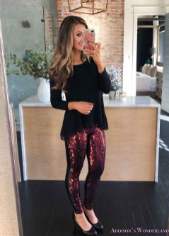 Incredible Holiday Style Christmas Outfit Ideas13