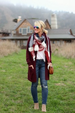 Incredible Holiday Style Christmas Outfit Ideas35