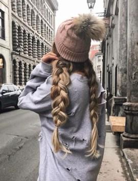 Latest Winter Hairstyle Ideas34