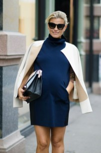 Lovely Maternity Winter Outfits Ideas01