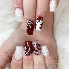 Modern Christmas Nails Ideas24