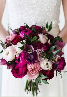 Modern Rustic Winter Wedding Flowers Ideas10