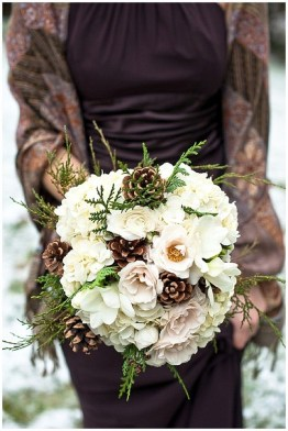 Modern Rustic Winter Wedding Flowers Ideas26