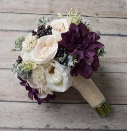 Modern Rustic Winter Wedding Flowers Ideas27