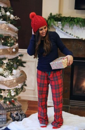 Outstanding Christmas Outfits Ideas27
