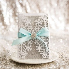 Popular Winter Wonderland Wedding Invitations Ideas19