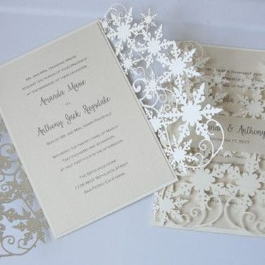 Popular Winter Wonderland Wedding Invitations Ideas27