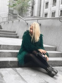 Stylish Emerald Coats Ideas For Winter23