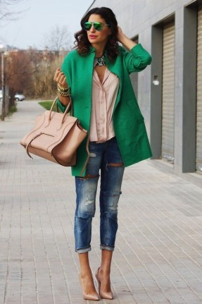 Stylish Emerald Coats Ideas For Winter25