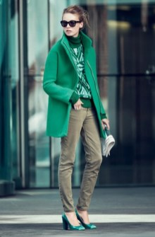 Stylish Emerald Coats Ideas For Winter30