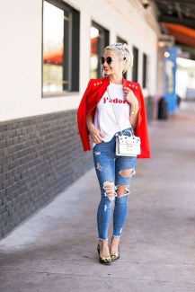 Adorable Winter Outfits Ideas With Jeans14