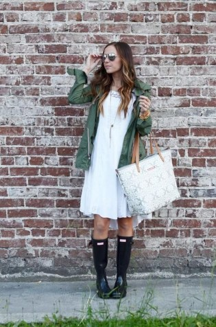 Amazing Winter Dresses Ideas With Boots26