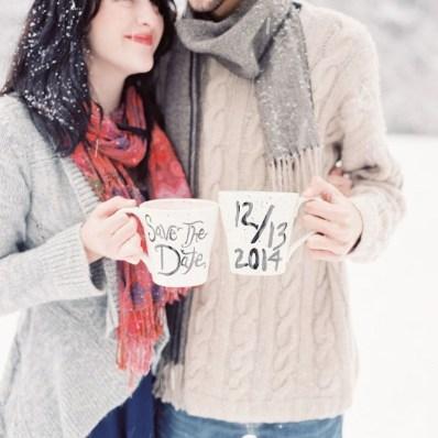Best Winter Engagement Photo Ideas01