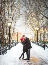 Best Winter Engagement Photo Ideas07