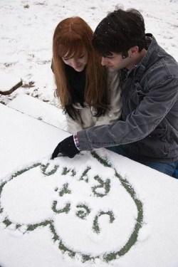 Best Winter Engagement Photo Ideas39
