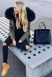Extraordinary Winter Clothes Ideas For Teenage Girl37