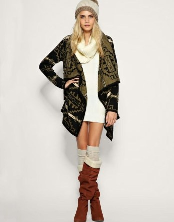 Incredible Winter Outfits Ideas With Leg Warmers07