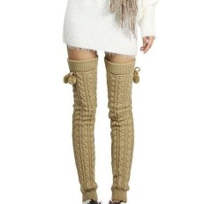 Incredible Winter Outfits Ideas With Leg Warmers09