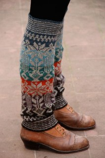 Incredible Winter Outfits Ideas With Leg Warmers21