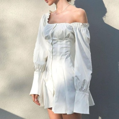 Perfect Winter White Dresses Ideas With Sleeves07