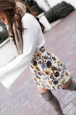 Stunning Winter Outfits Ideas With Skirts18