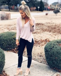 Beautiful Outfits Ideas To Wear This Spring41