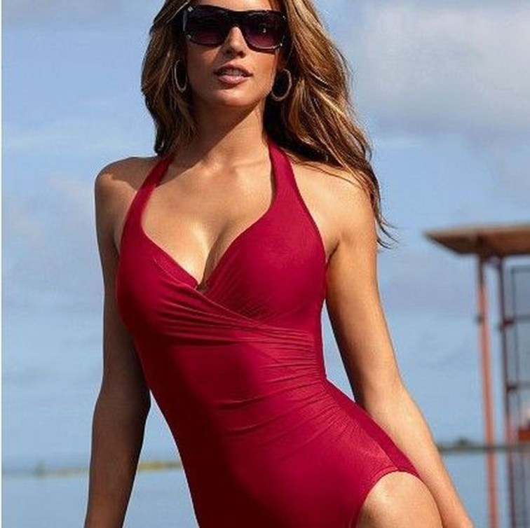 Best Swimwear Outfit Ideas For Women09