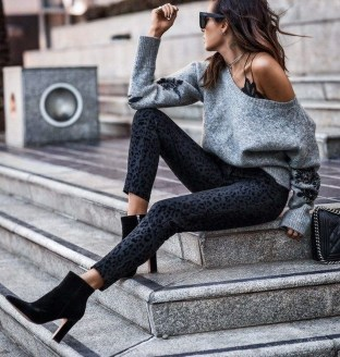Charming Spring Outfits Ideas For 201928