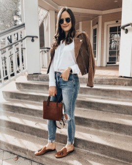 Delicate Spring Outfit Ideas To Copy23