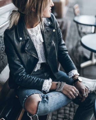 Delicate Spring Outfit Ideas To Copy32