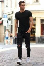 Elegant Black Outfits Ideas32
