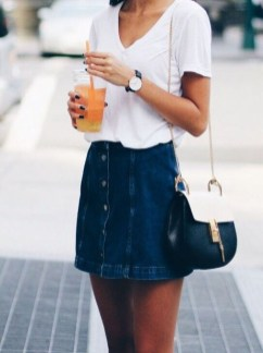 Elegant Denim Skirts Outfits Ideas For Spring11