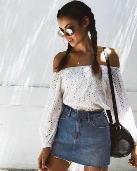 Elegant Denim Skirts Outfits Ideas For Spring36
