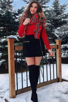 Impressive Holiday Outfits Ideas12